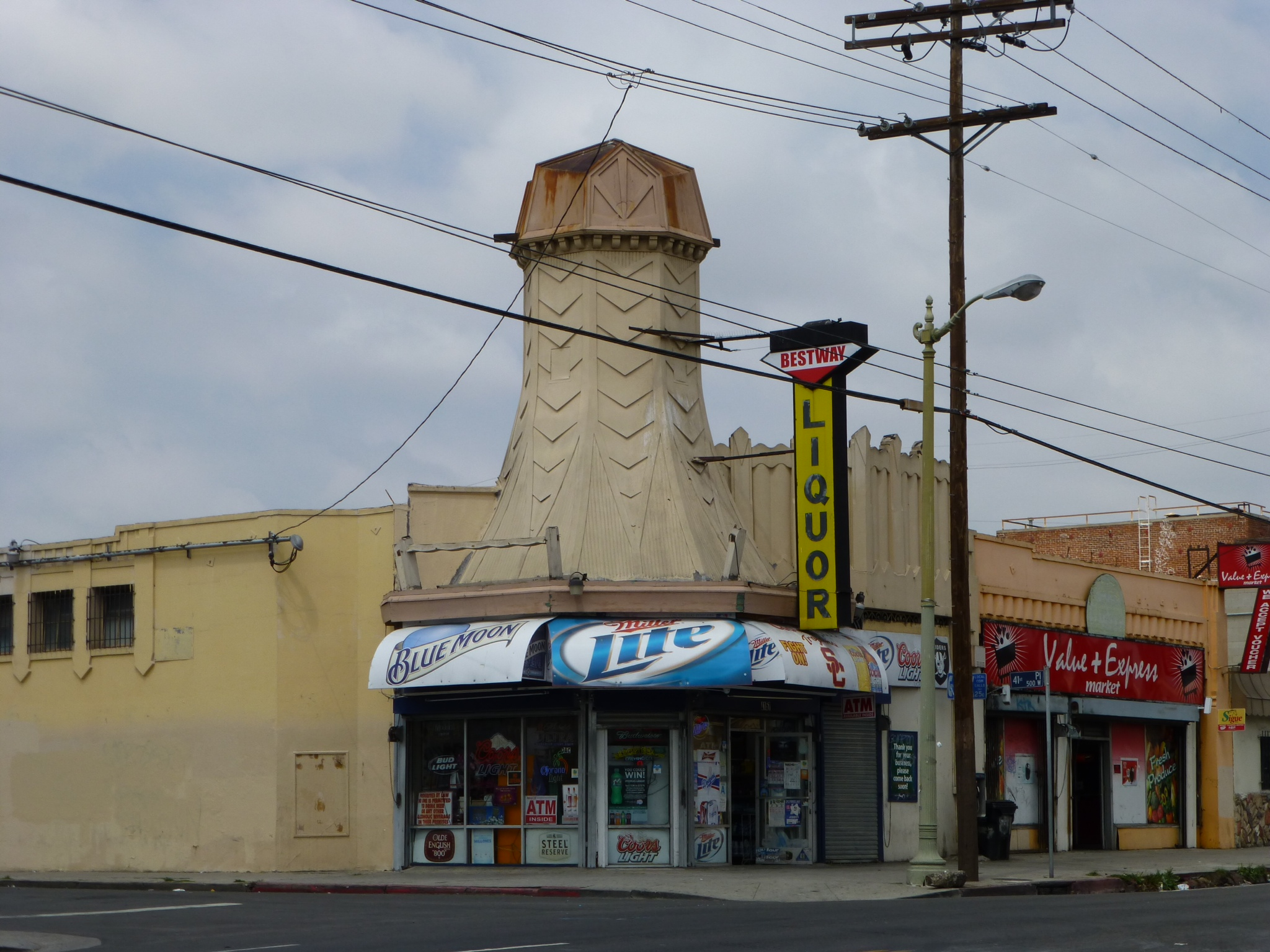 Figure 1: Contemporary view of former Van de Kamp's bakery site now the Bestway Liquor store at 4157 South Figueroa